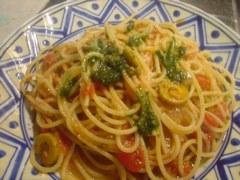 オリーブとケッパーのトマトスパゲティ